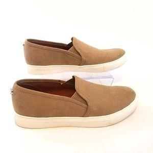 Steve Madden women's tan Zelia loafers size 9